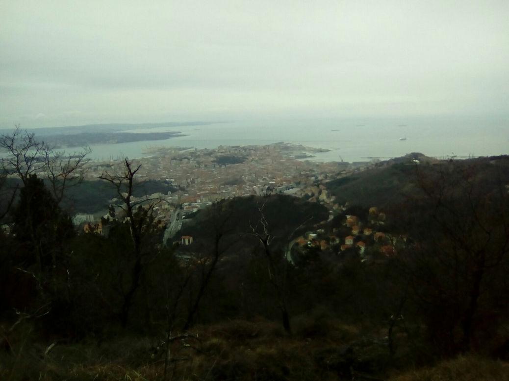 Foto 1 - Nome della città che si affaccia sul mare